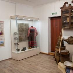 Помещение музея в здании мастерской народных ремесел после ремонта и размещения новой экспозиции.